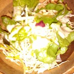 ワイン食堂 旅する子ブタ - ランチサラダ