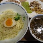 79741866 - 秋刀魚つけ麺(豚チャーシュー、辛味)