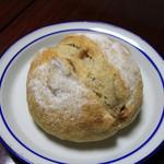パン工房アンダンテ - 料理写真:いちじくとくるみのカンパーニュ
