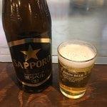 みっちゃん総本店 - 瓶ビールはサッポロ黒ラベル!