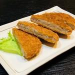 沖縄料理 ダルマ - 田芋コロッケ¥500