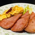 沖縄料理 ダルマ - ポークと玉子¥550