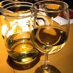 ITALIAN QUATRO - デキャンタの白ワイン