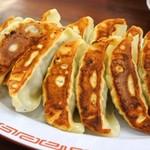 ラーメン魁力屋 - 料理写真:餃子