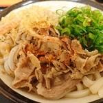 めんや七福  - 豚肉ぶっかけ小390円