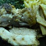 らーめん神田 山形家 - ミックスつけ麺の具(海苔、チャーシュー、メンマ)