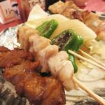 炭火焼鳥 かぶき - 野菜串・ダルム・みそサガリ。