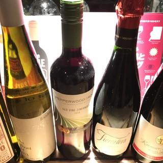 ソムリエが厳選した自慢のワインをお楽しみください。