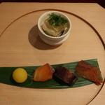 割烹 新多久 - 料理写真:八寸:とらふぐ煮凍り、鮭の酒びたし、蛸の柔らか煮、にじます燻製、きんとん