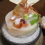 九兵衛旅館 - 庄内魚お造り:たらば海老、生蛸、ふぐ