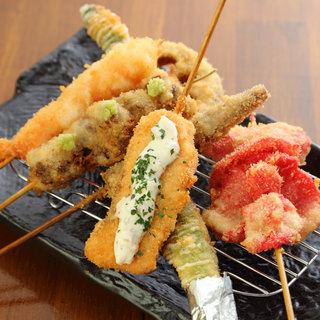 【肉・海鮮・野菜】などアイディア満載☆串揚1本80円~♪