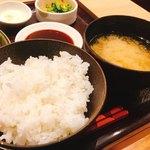 とんかつ和幸 - 御飯、味噌汁