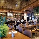 肉が旨いカフェ NICK STOCK - NICK STOCK 豊田市駅前店さんの店内