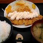 豚菜 - タルタルチキンカツ定食(ハーフ) 810円
