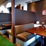 新潟牛華堂 - ボックス式テーブル席