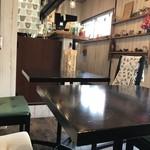 あげ焼きパン象の耳cafe - 店内