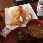79789809 - 白身魚フライ定食