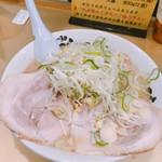 超ごってり麺ごっつ - しょうゆラーメン 750円
