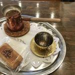 Cafe Bach - 注ぐ前コーヒー