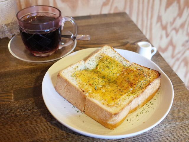 すみだ珈琲 - 本日のおすすめの珈琲 ルワンダ・ガバゲンテ(540円)と特製チーズトースト(470円)