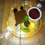 アルピッツォ - クランベリーのソルベとチョコレートケーキ