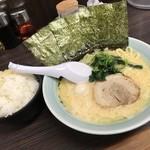 魂心家 - らーめん醤油(500円)22日のみ+無料ライス