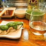 エノキ屋酒店 - 鯛のタタキ ニンニク味噌ダレ&お酒