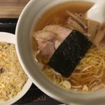 79802634 - 東京醤油ラーメン+半チャーハン(800円)