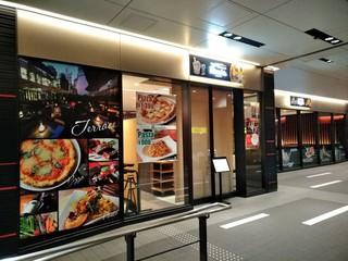 ボンサルーテカブキ - [外観] お店 入り口付近を含む全景♪w ①
