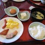 オーシャンパレスゴルフクラブ グリーンビュー - 料理写真:朝食の後はゴルフだったからビュッフェから和食中心のメニューをたっぷりお皿にとってきました。