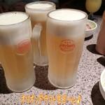 ステーキハウス88 - 先ずはキンキンに冷えたオリオンドラフト生ビール(600円)で乾杯〜( ^ ^ )/□ そういえば結局ちゃんとしたお昼ご飯は食べずで喉もカラカラだなぁ☆