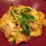 大戸屋 - 炭火焼き 鶏の親子丼