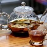 明道町中国菜 一星 - フルーツ入りプーアル茶