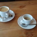 ヴェニーテ - 嫁さんは◆ ホットコーヒー、私は、◆ エスプレッソ