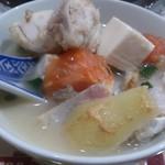 美楽一杯 - 2018.01・魚頭豆腐湯 1品で栄養バランスは良い