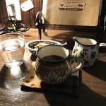 自家焙煎コーヒーcafe・すいらて - ポーリッシュポタリーの器が素敵なコーヒーカップたち(2018.1.23)