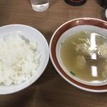 ぎょうざ大学 - 餃子定食・大のご飯と玉子スープ