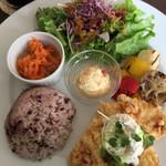 カフェコトゴト - 料理写真:ランチ  チキンフリット レモンクリーム?のソース