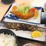 79826077 - おまかせ定食〜秋刀魚、エビフライ