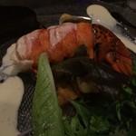 79834460 - オマール海老が 鯛さんに のしかかってる…(//∇//)w