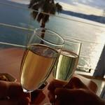 DINING ROOM IN THE MAIKO - その他写真:ママンの好きなスパークリングワインで乾杯♪
