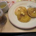 ガスト - プレーンパンケーキセット (2011/5)