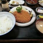 辰巳屋 - メンチカツ定食640円