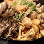 地鶏専門個室居酒屋 伊勢や - 名古屋コーチンと木の子の胡麻風味鍋