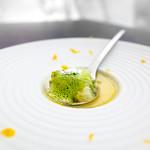 ル ミュゼ ドゥ アッシュ KANAZAWA - 爽やかなグレープフルーツのジュレ包み 青りんごのスープ 抹茶の泡をかけて