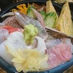79853548 - 近海地魚ちらし(松)アップ