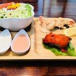 インドレストラン ナンハウス - セットについてくるサラダ、チキン、エビマヨ