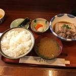 和もと - 肉豆腐定食(880円)