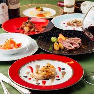 料理はその日の特別コースのみ。フレンチがベースの旬の一皿を