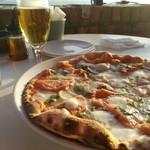 79860881 - 生ビールとピッツァデラセーラ